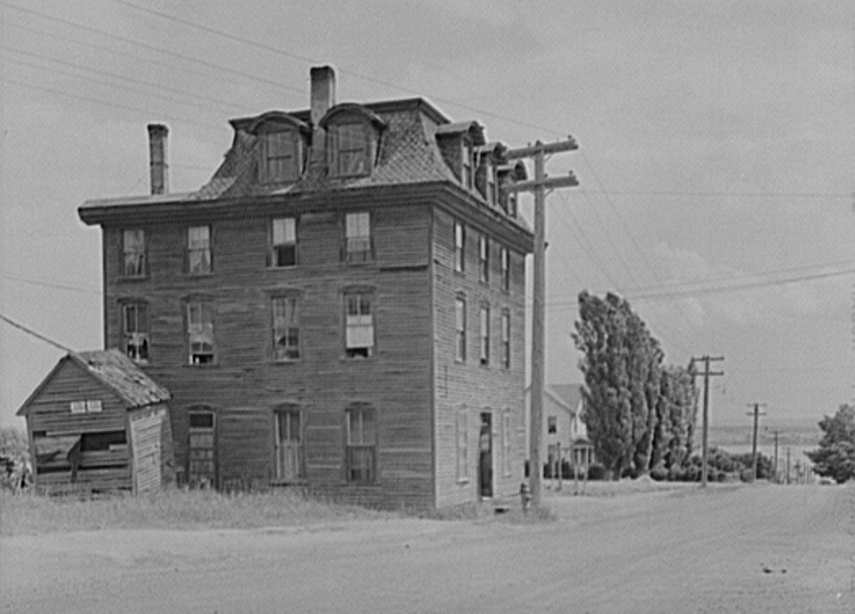 Boarding house. Baraga, Michigan 1941