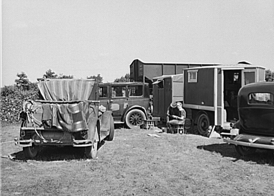 Camp of migrant fruit workers in field on outskirts of town. Berrien County, Michigan 1940