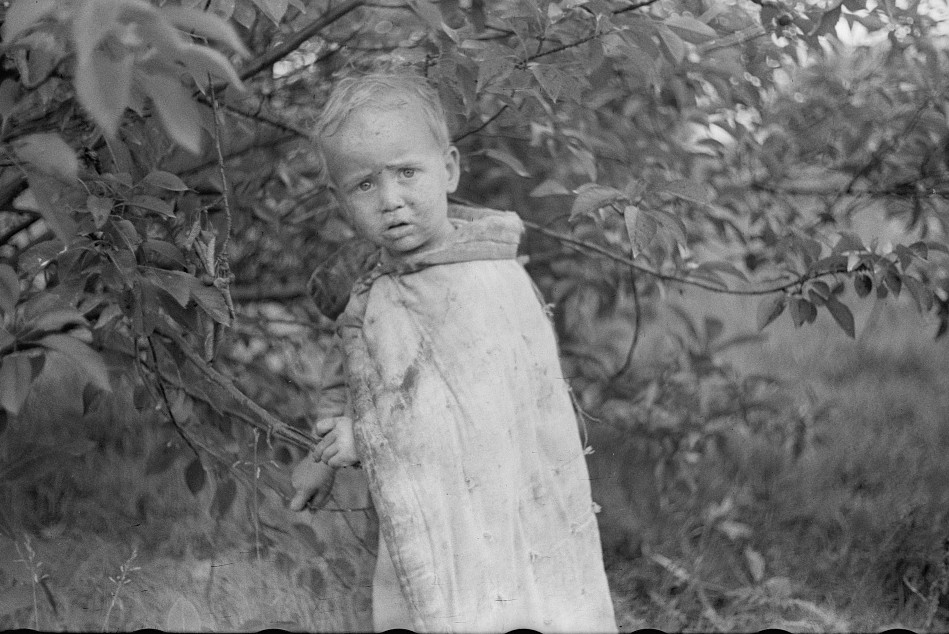 Child of migrant berry pickers, Berrien County, Mich. 1940
