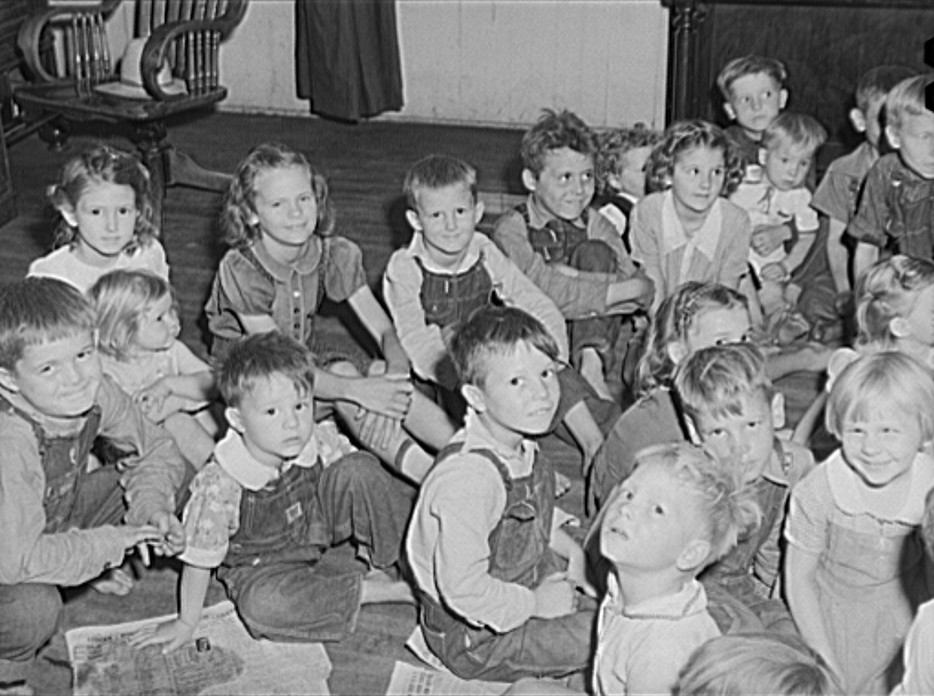 Children of migrant fruit workers in nursery school run by Women's Council for Home Missions. Berrien County, Michigan 1940