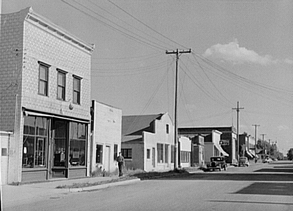 Ewen, Michigan. Former lumber town John Vachon August 1941