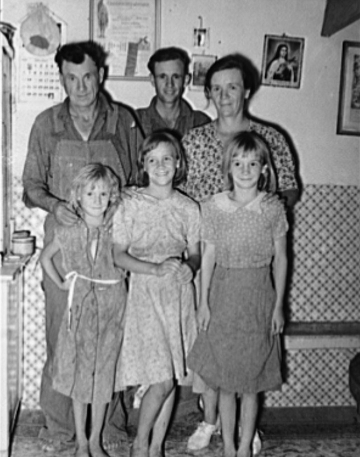 Family of Mr. Schoenfeldt, FSA (Farm Security Administration) client. Sheridan County, Kansas russell lee 1939