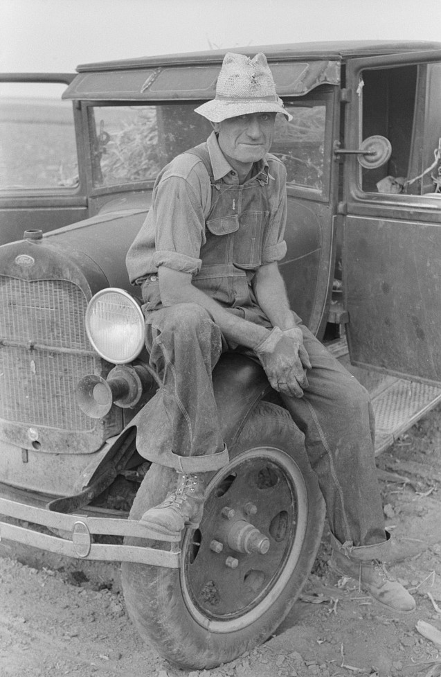 Hired man of Sheridan County, Kansas, farmer by Russell Lee August 1939