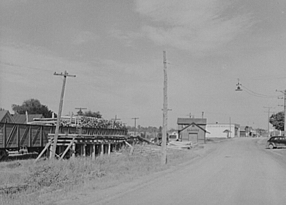 Kenton, Michigan. Upper penninsula lumber town by John Vachon 1941