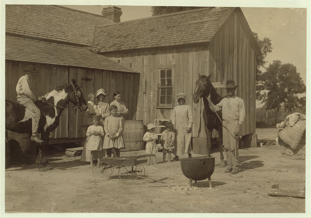 Lewis Wicke hine 1913 - Itinerant Texas farmers who rent a farm for a year or so and then move on2