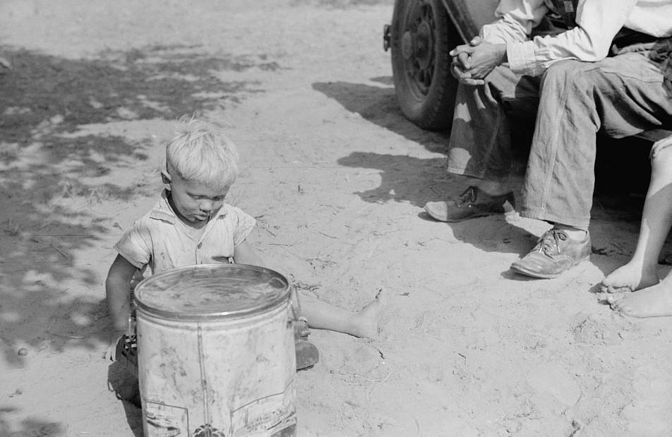 Migrant child from Arkansas, Berrien County, Michigan3 1940