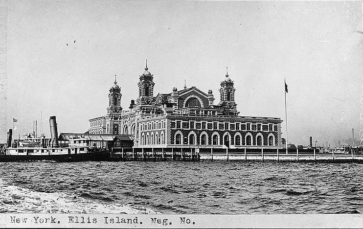 New York, Ellis Island ca. 1918