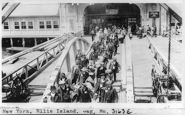 New York. Ellis Island between 1909-1932