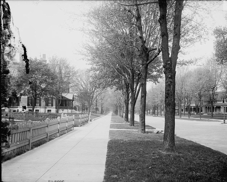 North Delaware Street, Indianapolis, Indiana ca. 1900 Detroit Publishing Company