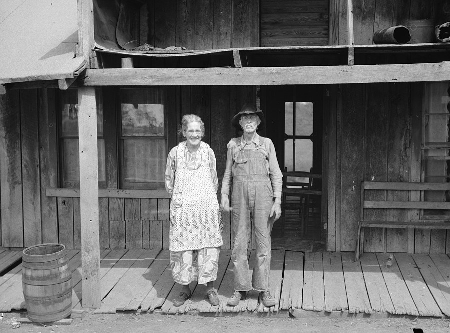 William Stamper and wife who have lived in the Ozarks for fifty years. Missouri by Carl Mydans May 1936