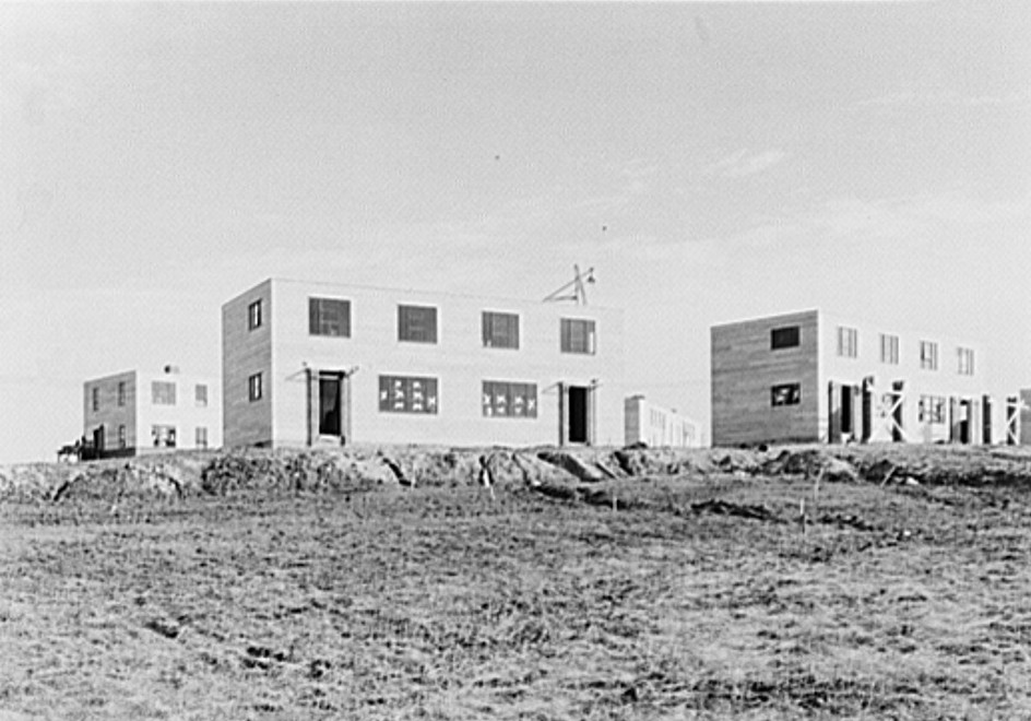 A group of houses at the Greenhills project. Ohio. These buildings have asbestos board siding feb. 1937 russell lee