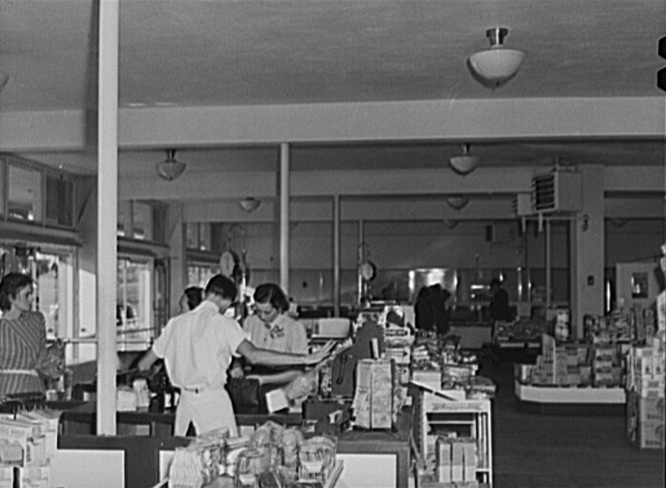 Cooperative store at Greenhills, Ohio, October 1939 by photographer John Vachon2