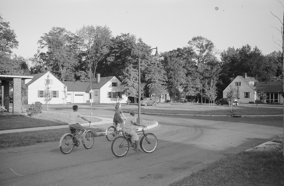 Greenhills, Ohio October 1939 by photographer John Vachon 5