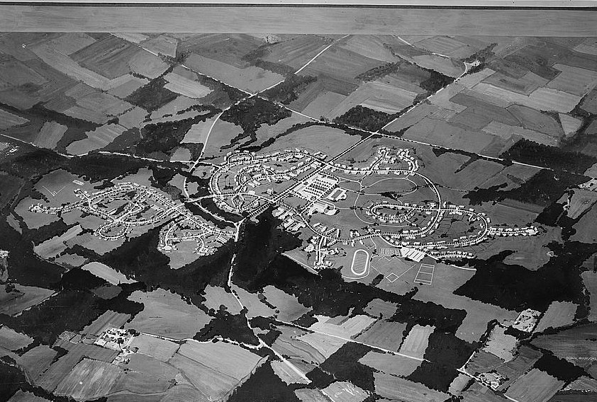 Greenhills, Ohio. A community planned by the Suburban Division of the U.S. Resettlement Administration 1936