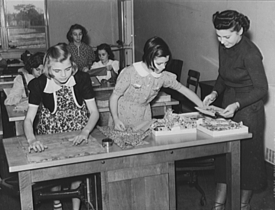 Home economics class Ohio October 1938, by photographer John Vachon