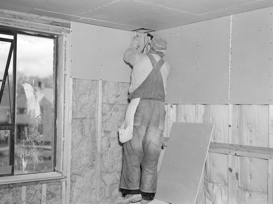 Installing wallboard in a house. Greenhills project, Ohio Feb. 1937 russell lee
