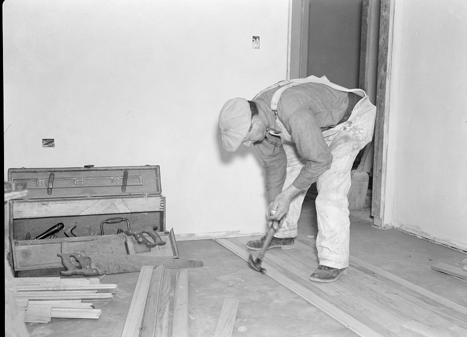 Laying a hardwood floor. Greenhills project, Ohio Feb. 1937 russell lee