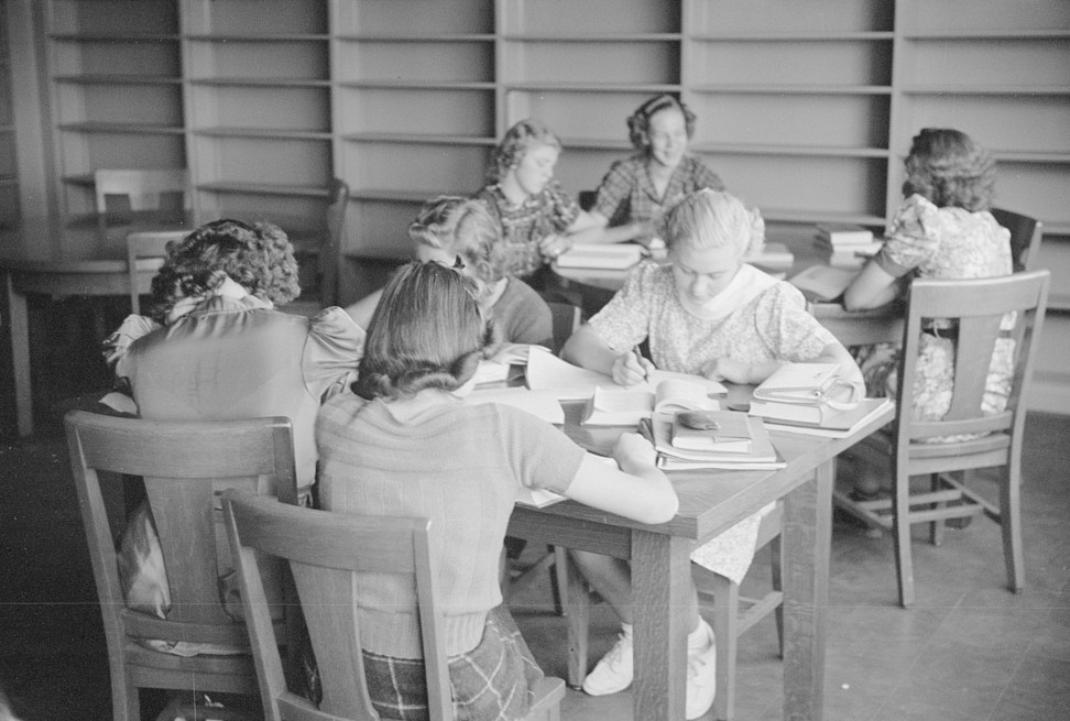 Library at Green Hills School Ohio October 1938, by photographer John Vachon