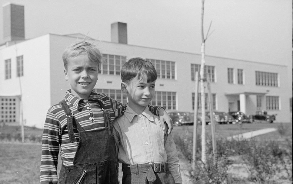 Schoolchildren at Greenhills, Ohio October 1938, by photographer John Vachon