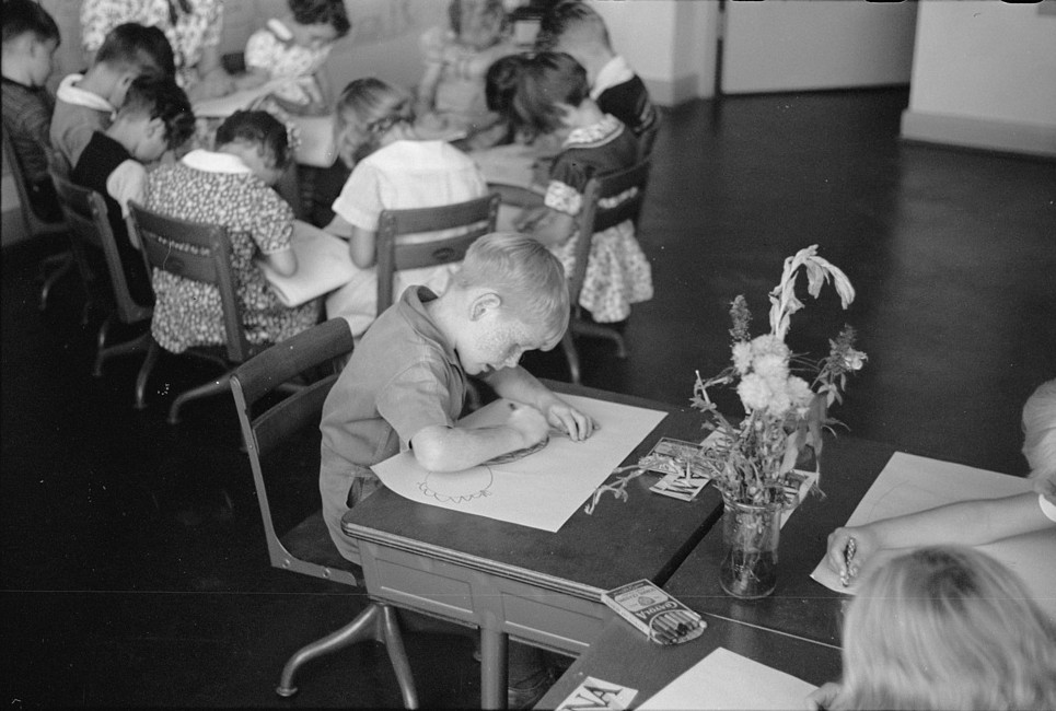 Schoolroom at Greenhills, Ohio October 1938, by photographer John Vachon