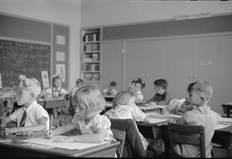 Schoolroom at Greenhills, Ohio October 1938, by photographer John Vachon3