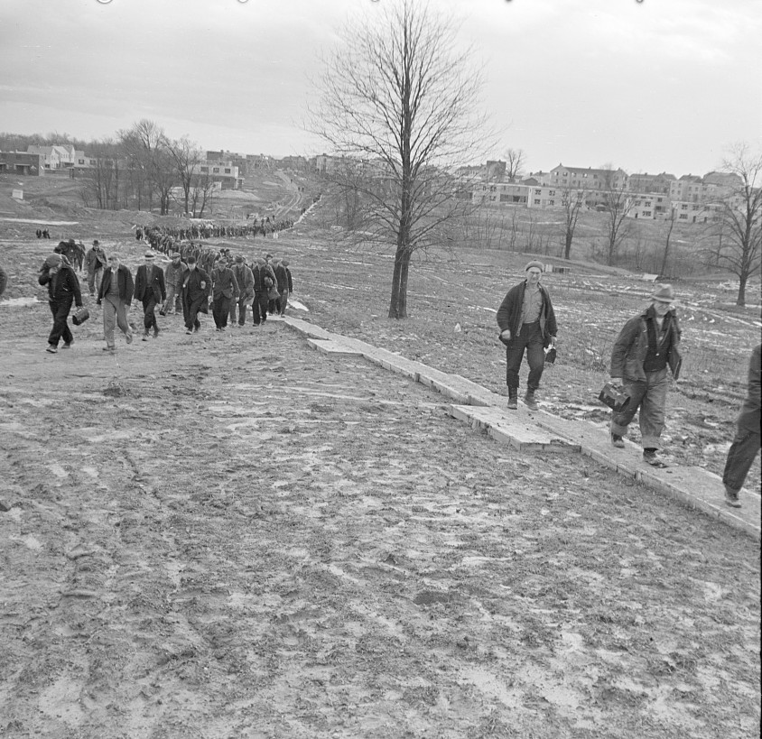 Workmen going home from work. Greenhills, Ohio russell lee feb. 1937