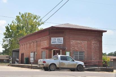 Avery, Texas city Hall