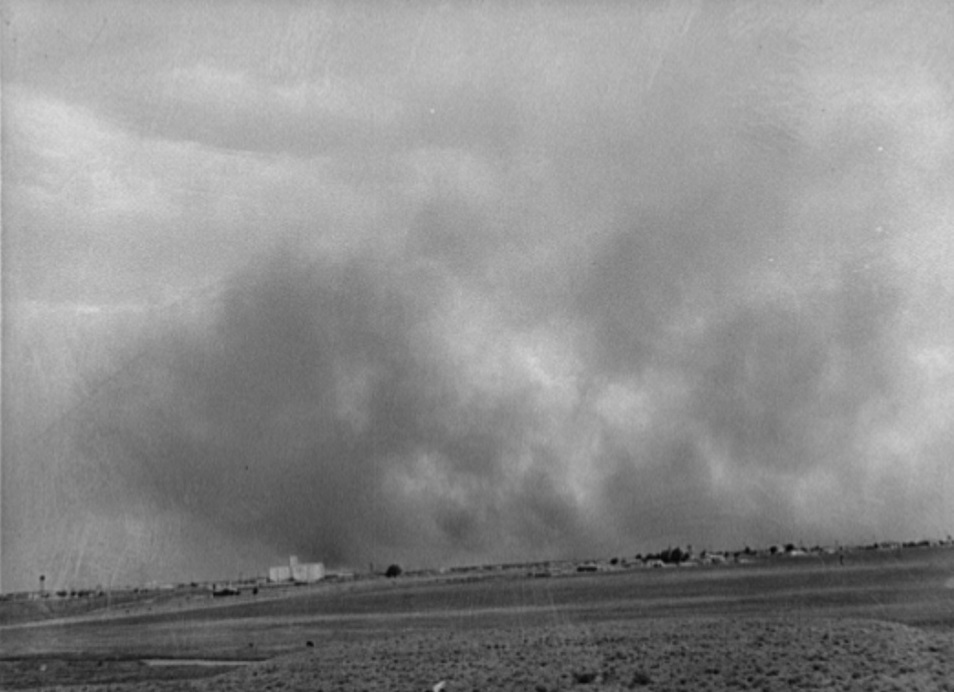 Dust storm approaching Lubbock, Texas May 1939 by photographer Russell Lee