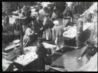New York City ghetto fish market in 1903 was a very busy place